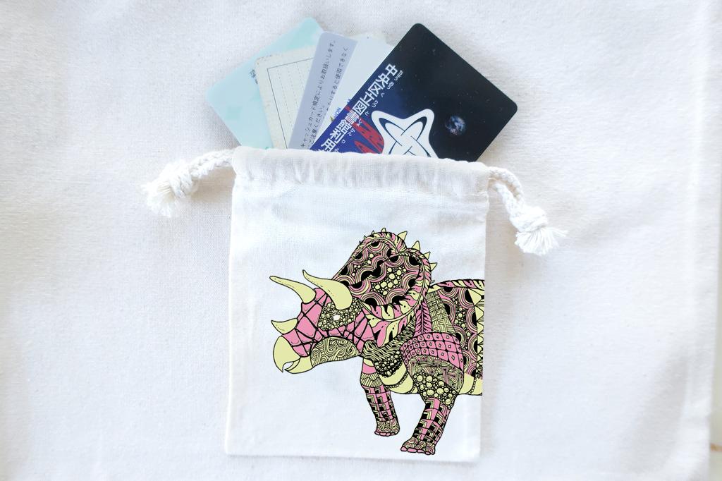 恐竜 巾着袋 トリケラトプス(ピンク)