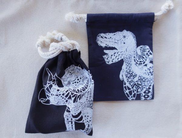 恐竜巾着袋